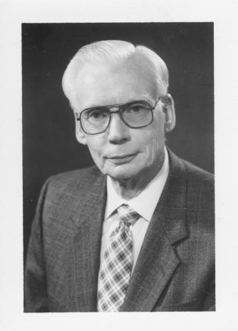 Dr Victor Matthews Photo